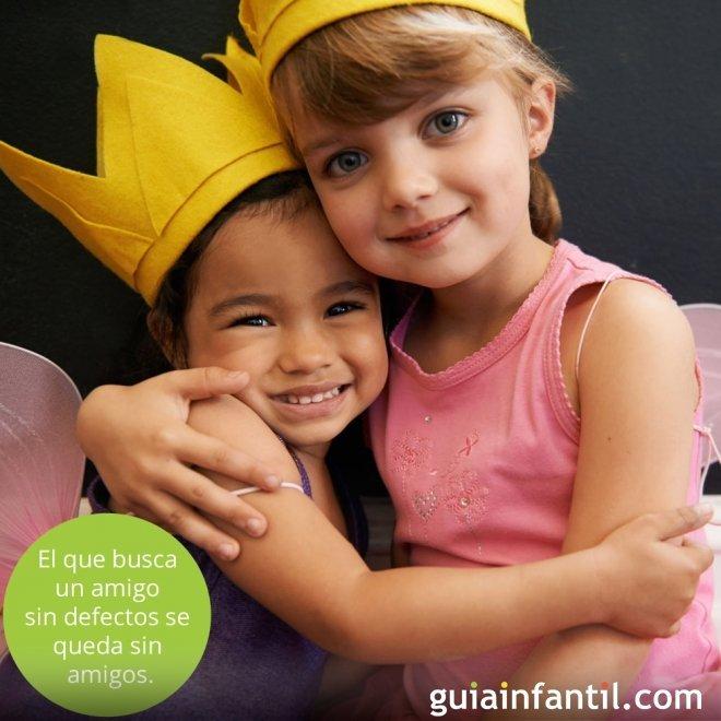 Frases de amistad para niños. Amigos en grupo