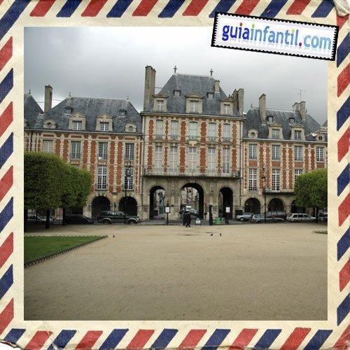 Place des Vosges. Viajar a París con los niños