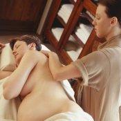 Masaje de hombros para embarazadas