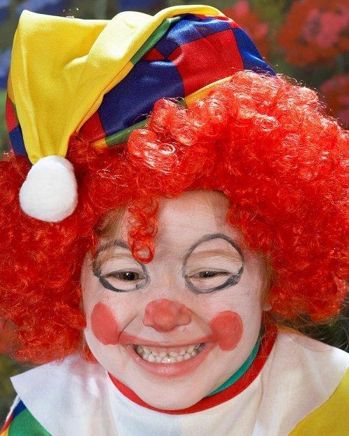 Cara pintada de payaso para niño - Imagui