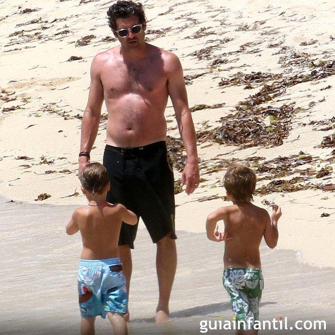 El actor Patrick Dempsey de vacaciones con sus hijos gemelos