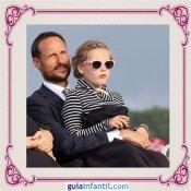 El Príncipe heredero Haakon de Noruega con su hija Ingrid