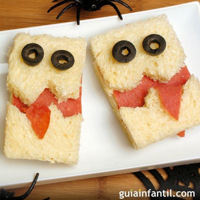 Sandwich con fantasma para celebrar Halloween