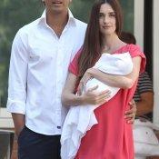 Paz Vega y Orson Salazar presentan a su bebé Lennon
