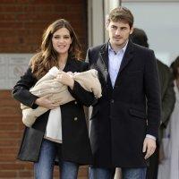 Sara Carbonero e Iker Casillas con su hijo Martín