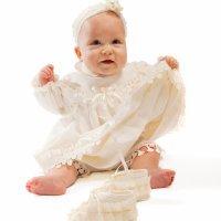 Traje de bautizo para bebé con patucos y diadema