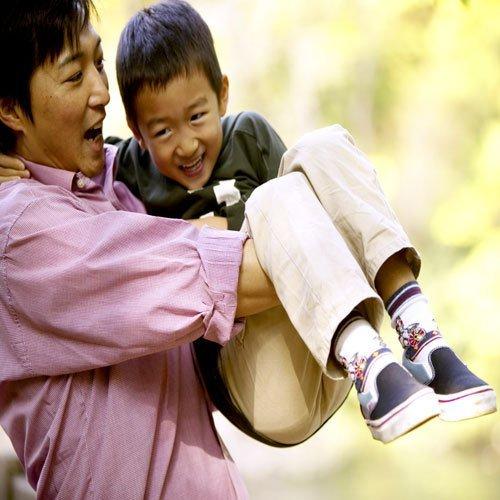Los padres nunca dejan la paternidad