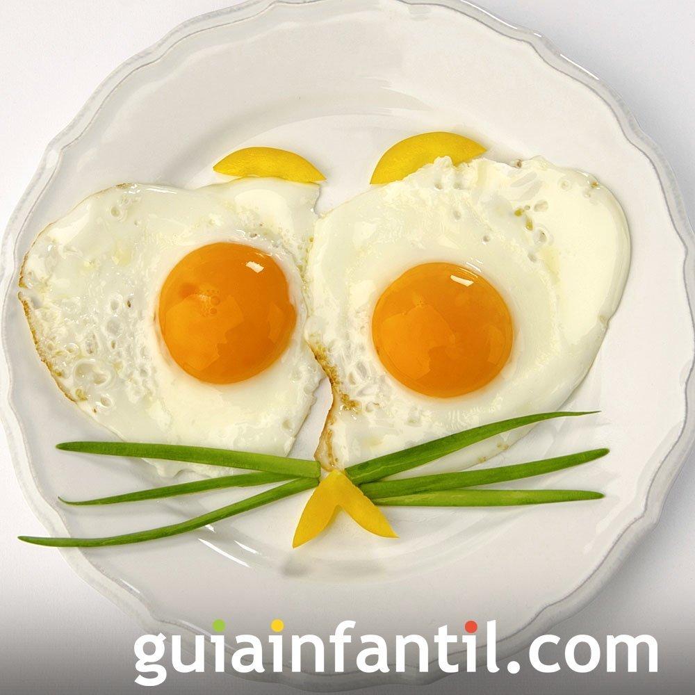 Ojos de gato con huevos fritos para ni os cocina for Cocina divertida para ninos