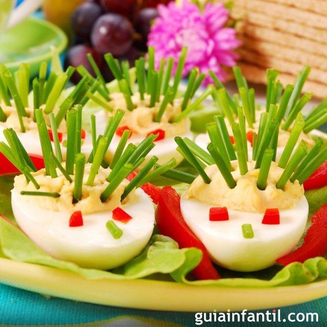 Erizos de huevos rellenos para los niños