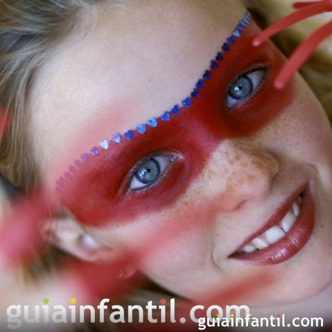 Máscara roja de maquillaje para niños
