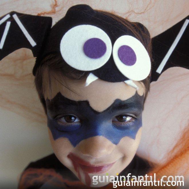 Maquillaje de murciélago para niños en Halloween