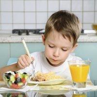 Masticar bien y comer despacio para una mejor digestión