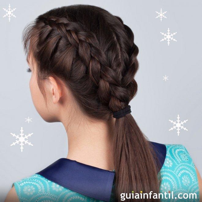 Peinado con trenzas y coleta para niñas en Navidad