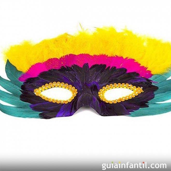 Capas de plumas de colores para tu antifaz