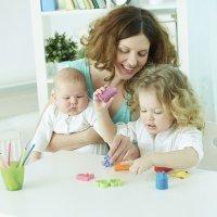 Guardería o cuidadora para cuidar a los niños