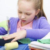 Manualidades para niños. Marcapáginas de tela