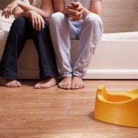 Cómo pueden ayudar los padres al hijo con enuresis