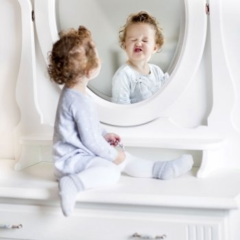Beneficios de jugar frente al espejo