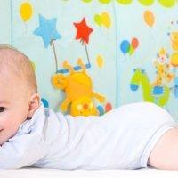 Cómo deben ser los muebles de la habitación del bebé