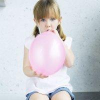 Vídeos de experimentos de ciencia para niños con globos