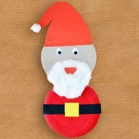Papá Noel de platos de cartón. Manualidades recicladas