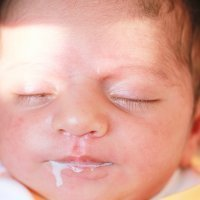 La regurgitación en bebés