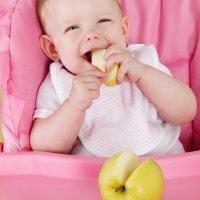 Cómo introducir la alimentación en trocitos para el bebé