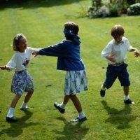 La gallinita ciega. Juegos tradicionales para niños