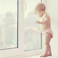Cómo prevenir caídas infantiles desde gran altura