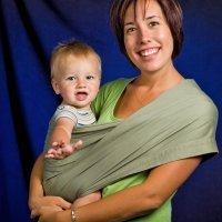 10 formas diferentes de llevar al bebé en brazos
