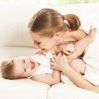 Beneficios de hacer cosquillas al bebé