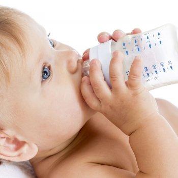 Cuándo y por qué dar leche de crecimiento a los niños