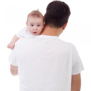 La importancia de que el bebé eructe