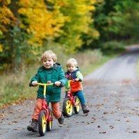 Los beneficios de las bicicletas sin pedales para niños