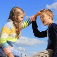Cómo deben reaccionar los padres ante una pelea infantil