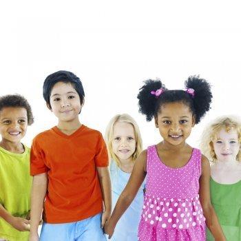 Derecho de los niños a ser tratados por igual