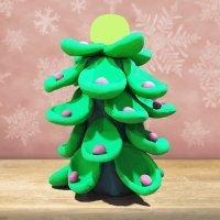 Aprende a hacer un árbol de Navidad de plastilina