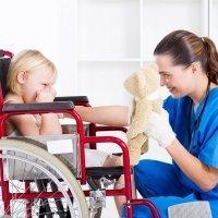 Juegos adaptados para niños con discapacidad motriz