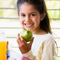 Alimentos beneficiosos para los dientes de los niños