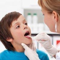 Diferencias entre las infecciones de garganta de los niños