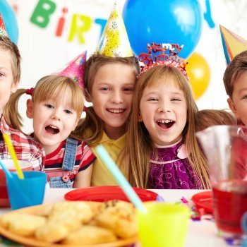 Los invitados a la fiesta de cumpleaños