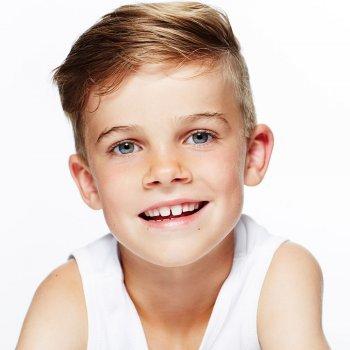 Por qué algunos niños tienen los dientes separados