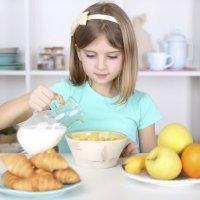 Alimentos básicos en el desayuno de los niños