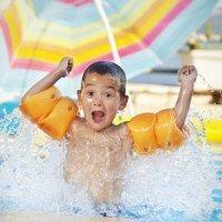 Juegos para niños en la piscina