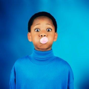 Ventajas y desventajas de mascar chicle en la infancia