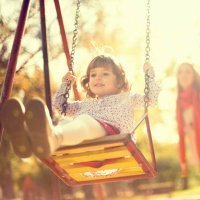 Beneficios de los columpios para los niños