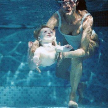 Clases de natación en vídeos