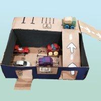 Parking de reciclaje para jugar con los niños