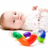 Juegos para estimular la visión de bebés de 0 a 5 meses