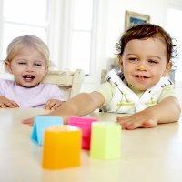 Juegos para estimular la visión de bebés y niños por edades